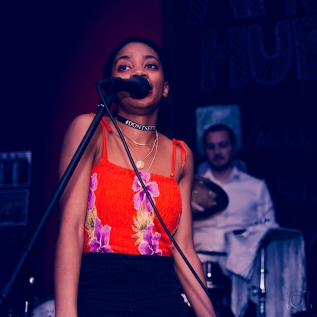 Niasha – Don't SettleLIVE