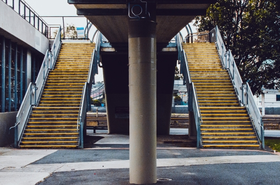 Twin_stairs